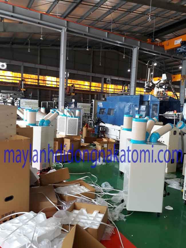 Khung cảnh lắp đặt máy lạnh nakatomi của etech tại nhà máy
